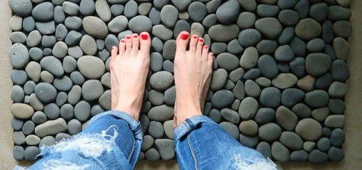 Φτιάξτε diy χαλάκι εισόδου-μπάνιου-σπιτιού από βότσαλα - πέτρες
